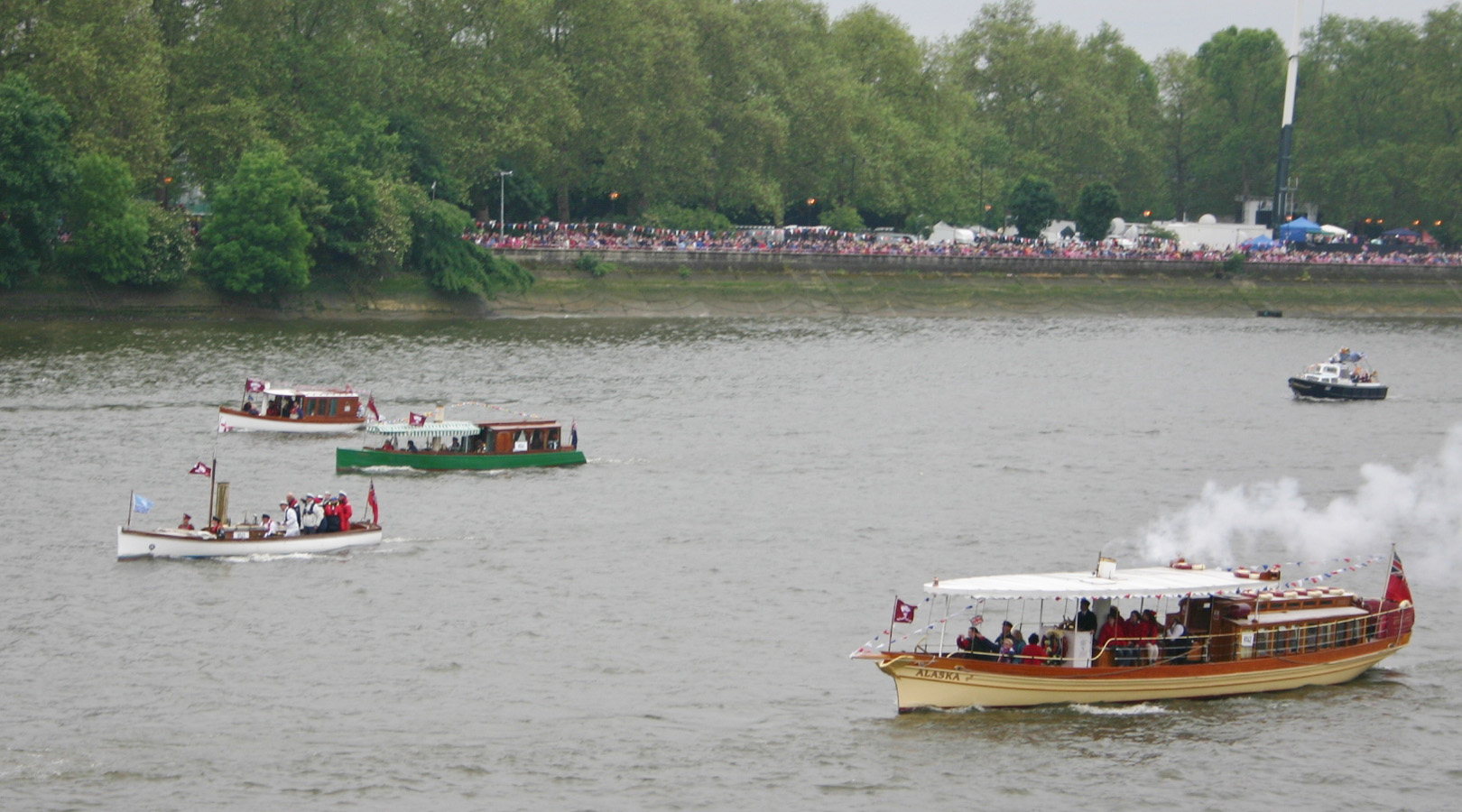 Steam boats in the pagent